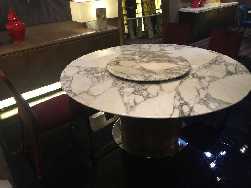 yuvarlak-string-beyaz-gri-yemek-masasi