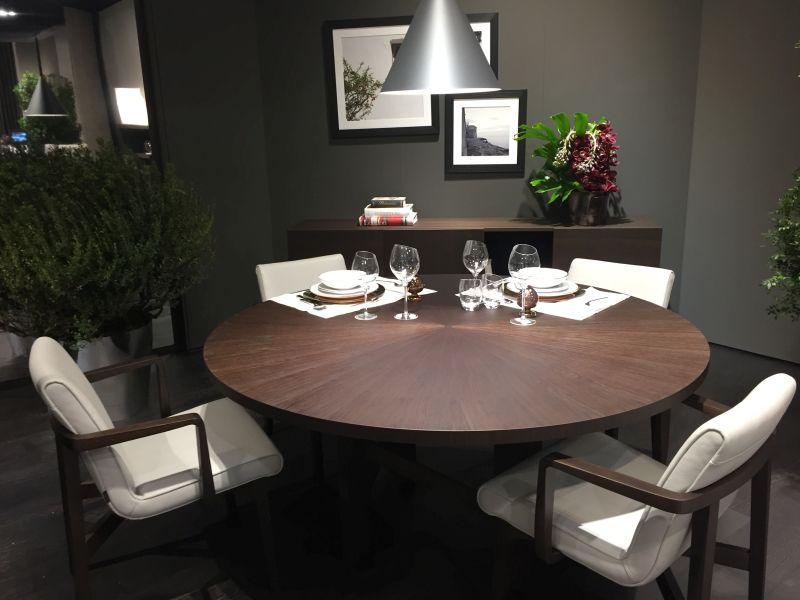 yuvarlak-yemek-masasi-beyaz-sandalyeli