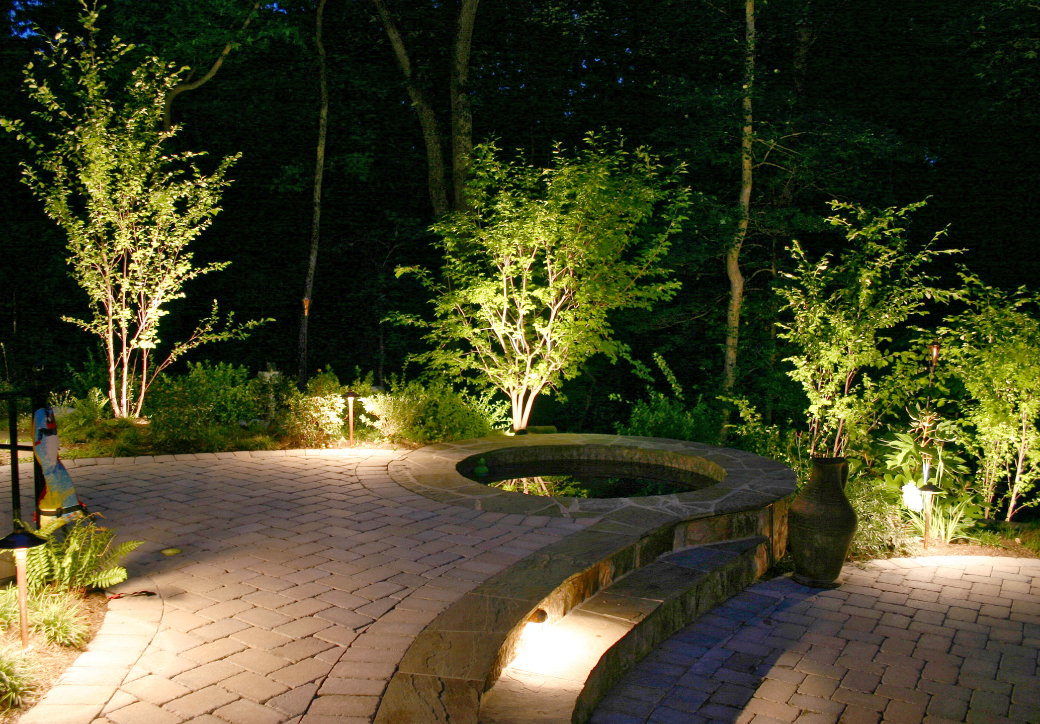 ultimate_outdoor_landscape_lighting_kits
