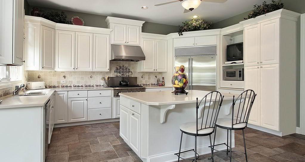beyaz-klasik-mutfak-dolabi