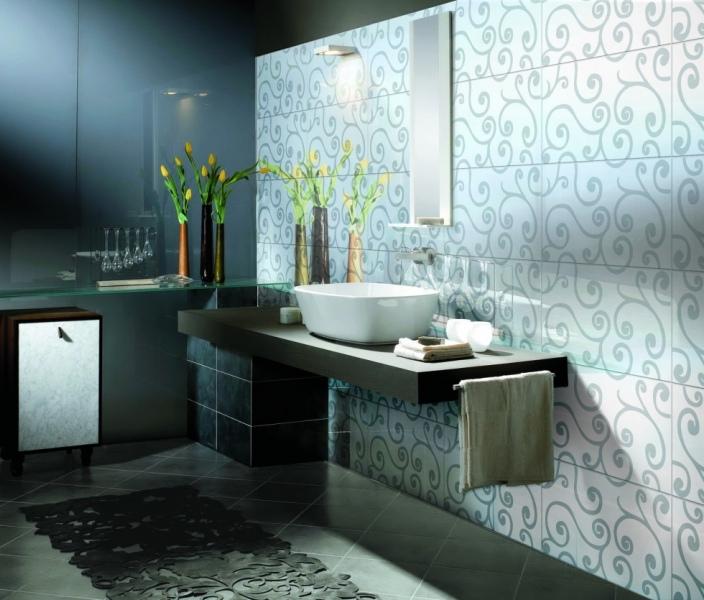 cicek-desenli-banyo-fayans-modelleri-ile-modern-banyo-dekorasyonu-fikirleri-2016-2017