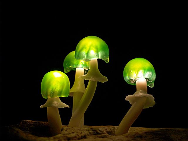 cocuk-odasi-icin-mantarli-gece-lambasi-modelleri