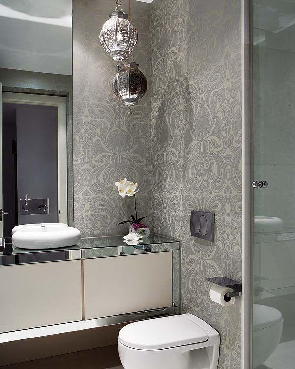 banyo-ve-tuvalette-duvar-kagidi-uygulamasi