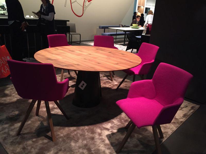 yuvarlak-yemek-masasi-cesur-sandalyeler