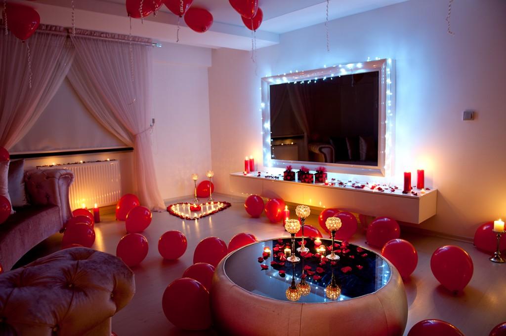 Özel-Günler-için-Organizasyon-Nişan-Evlilik-Yıldönümü-Romantik-Süsleme-Parti-Doğum-Günü-12-1024x681