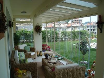 büyük cam balkon