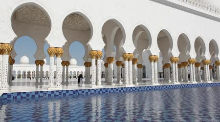 depositphotos_30618289-stock-video-sheikh-zayed-grand-mosque-in