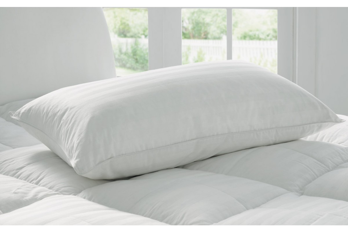deluxe_feather_down_pillow_snow_1
