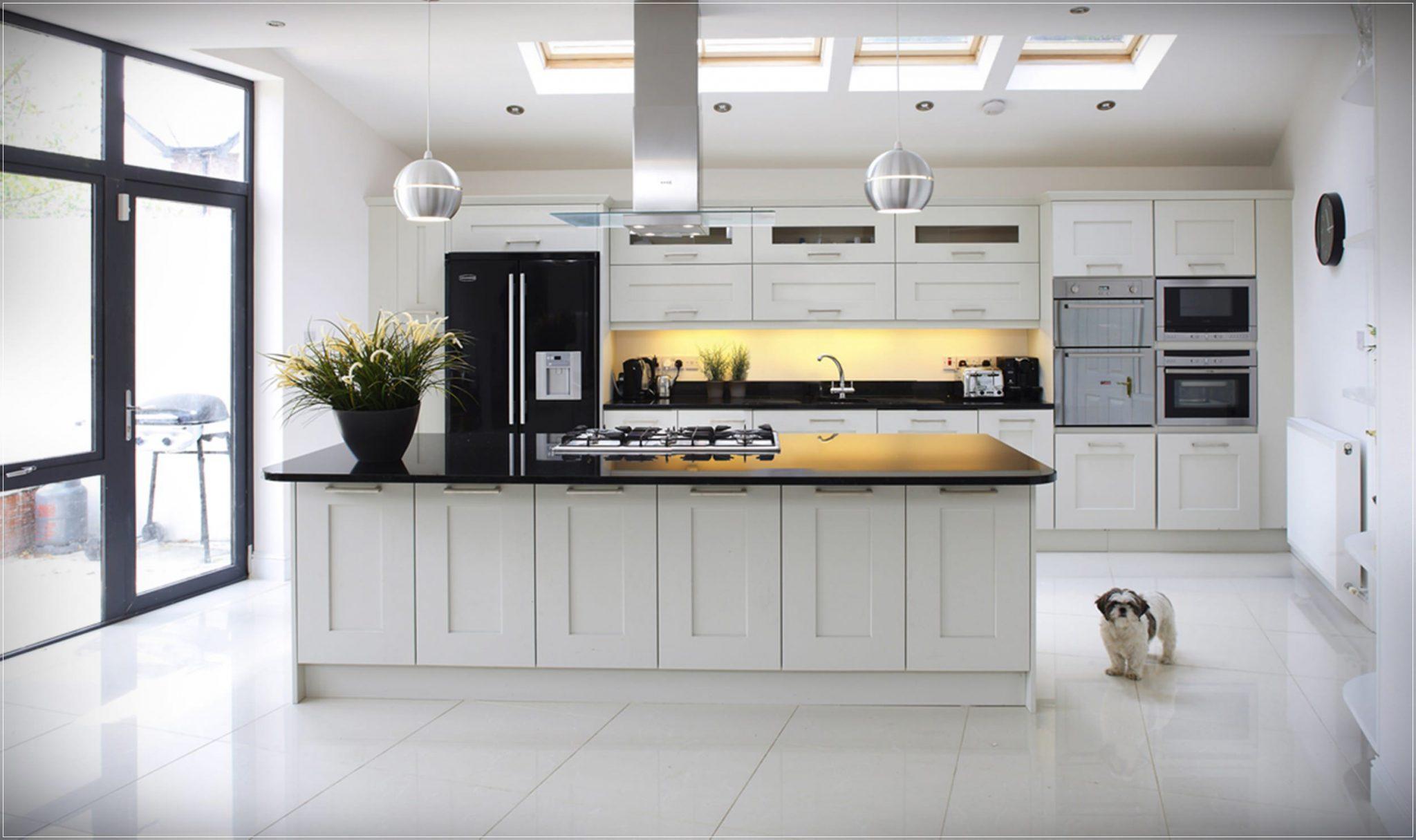 koctas-hazir-mutfak-dolabi-modelleri-beyaz-renk-genis-mutfak-dekorasyonu-1