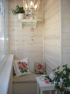 küçük ama kullanışlı balkon dekorasyonu