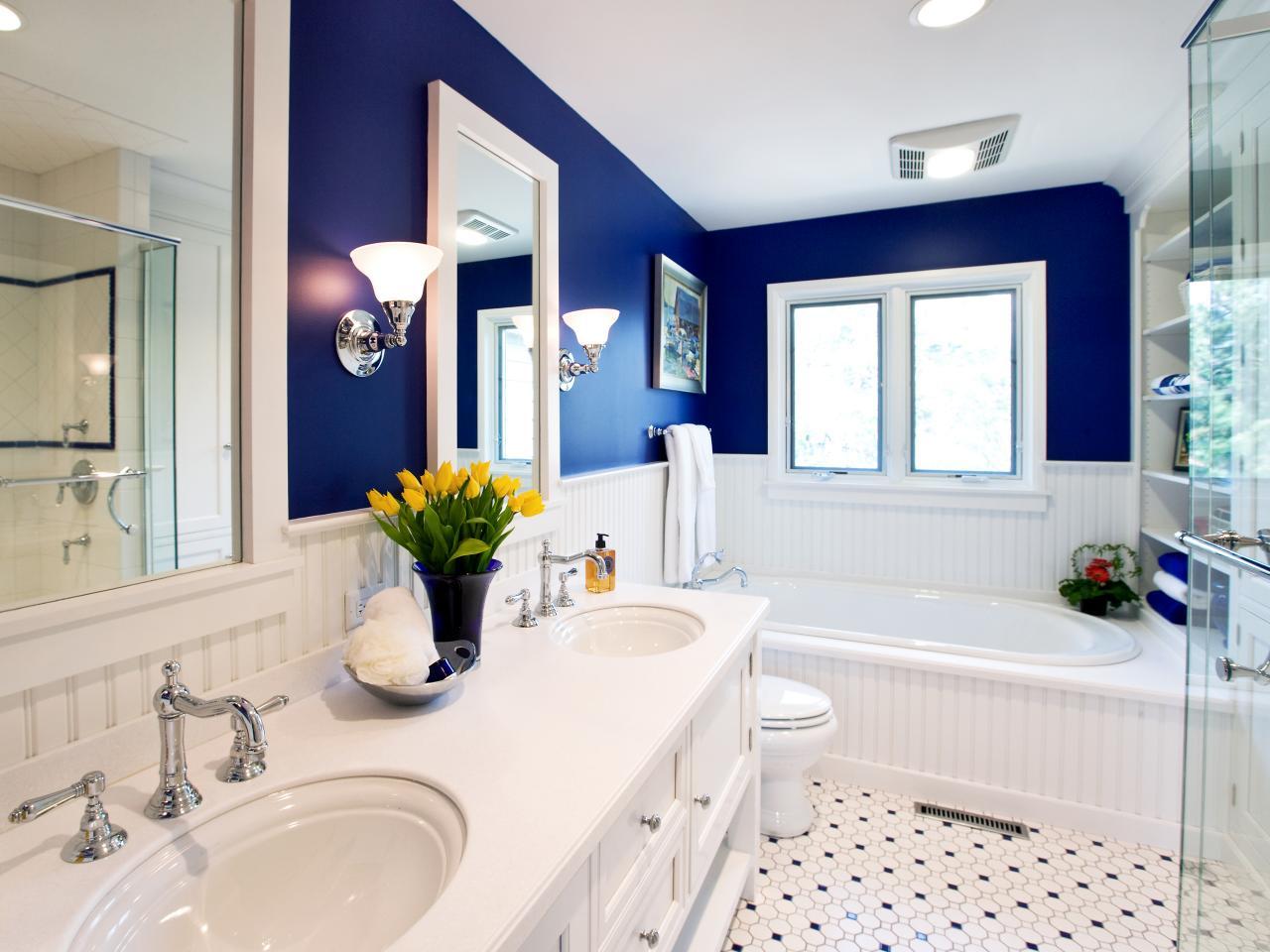 mavi İtalyan tarzı banyo dekorasyonu
