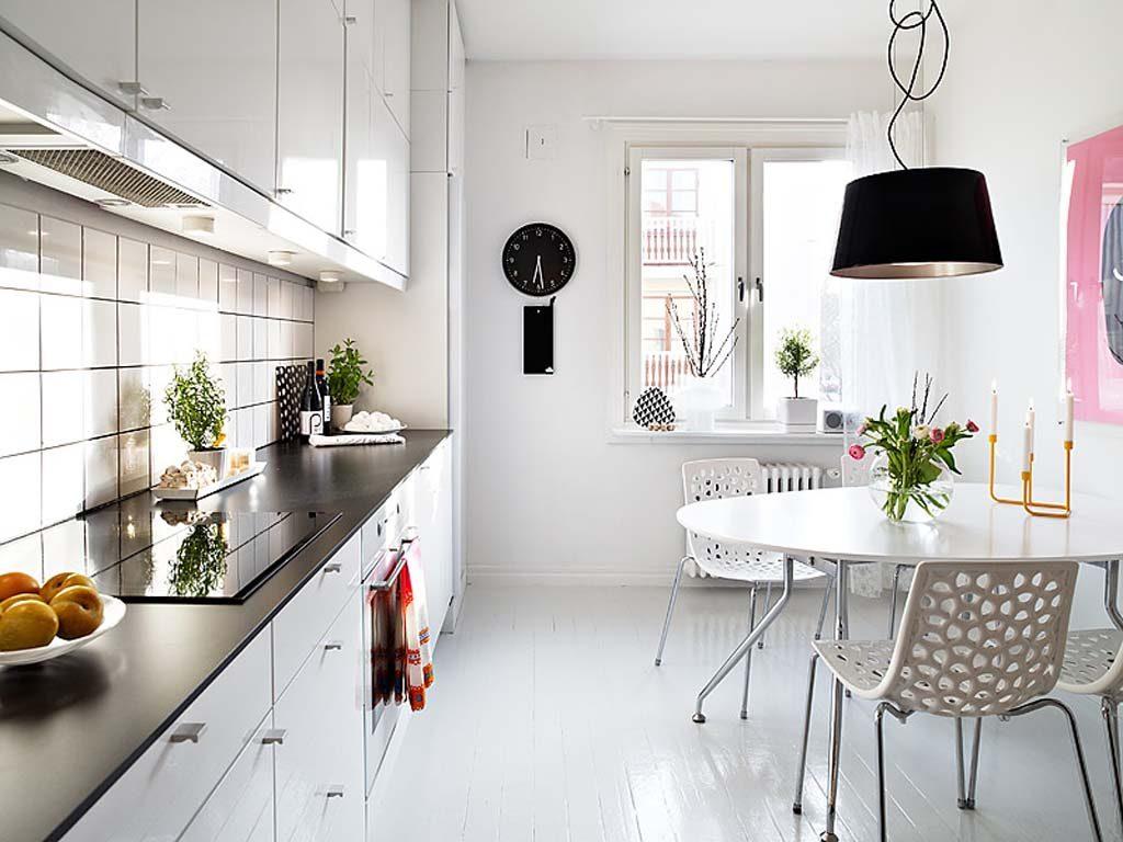 Beyaz boyalı mutfak dekorasyonu