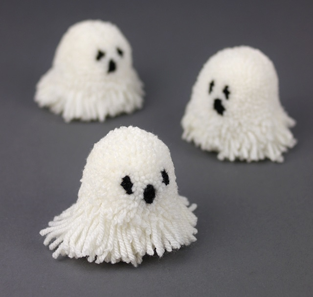 Elegant ponpondan-hayalet-yapimi ponpondan oyuncak yapımı