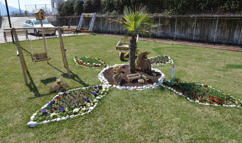 Cool Yeşilyurt Güzel Bir Çiçek Bahçesi Oluşturmak