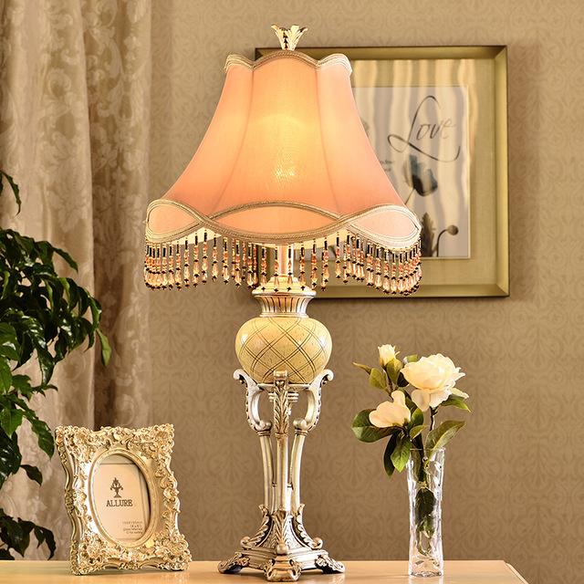 klasik masa lambası