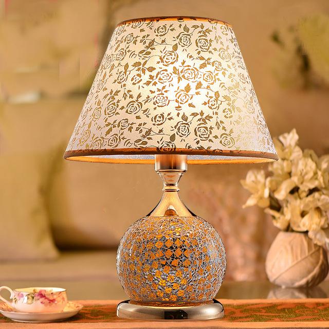 yatak odası için modern masa lambası