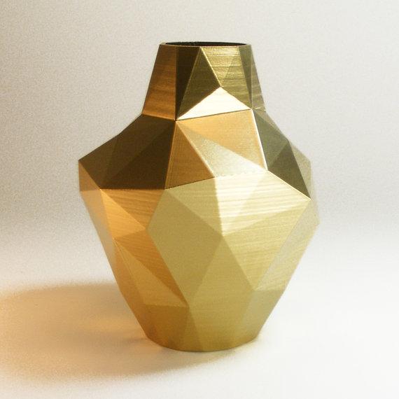 modern metal vazo